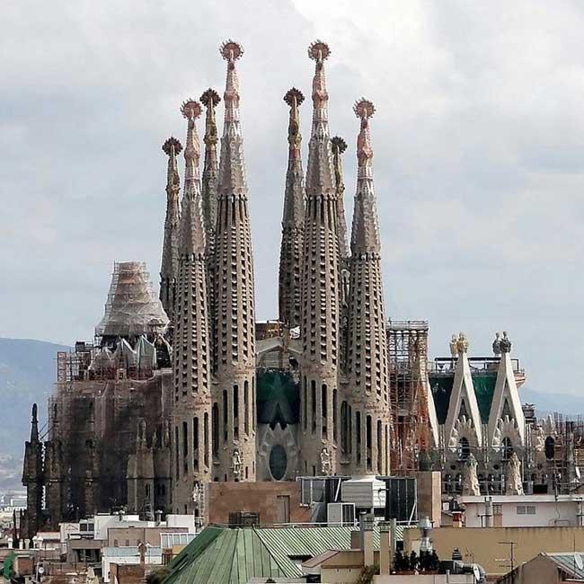 city-break-barcelona-featured-image