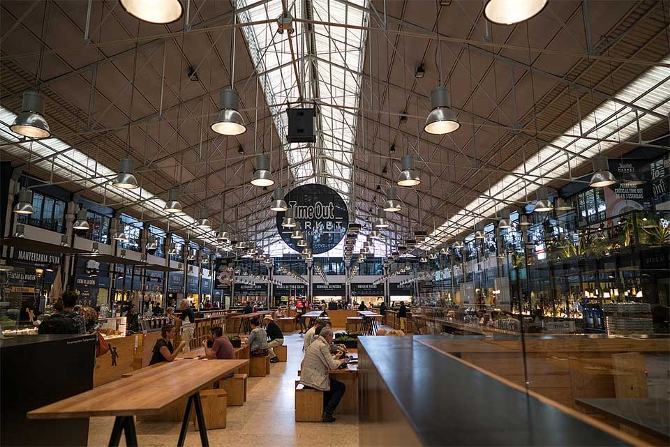 A view of the inside of the Mercado da Ribeira